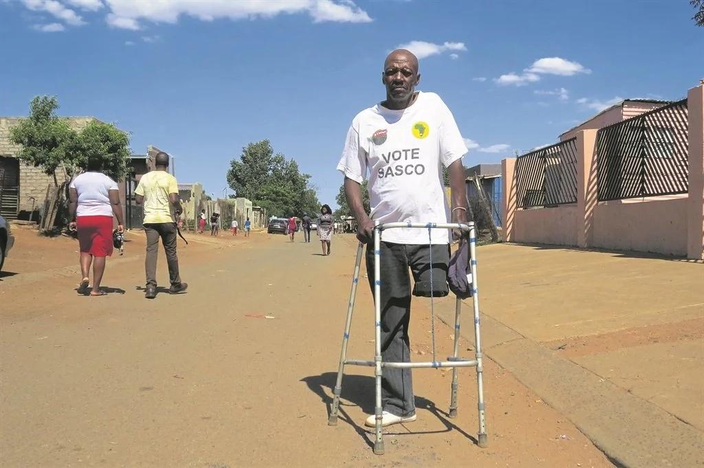 Thabang Pitso blames rival sangomas for his leg's amputation. Photo: Sammy Moretsi