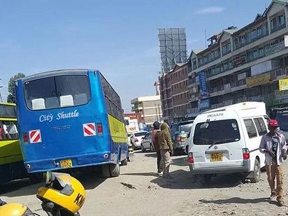 """""""Slay queen"""" akatazwa kupanda matatu kwa kuvalia mavazi yasio ya kiheshima, Nairobi (picha)"""