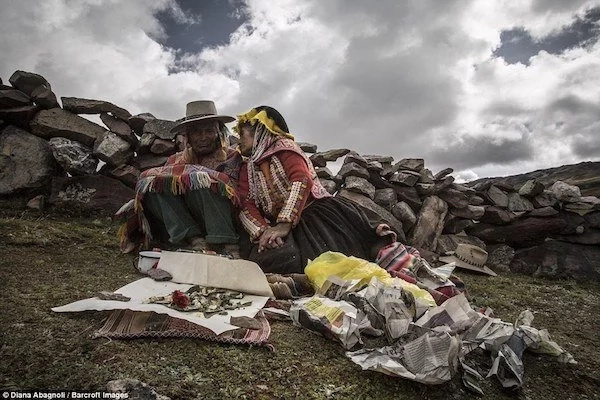 These mystic shamans communicate with SPIRITS, believe they can cure any disease (photos)
