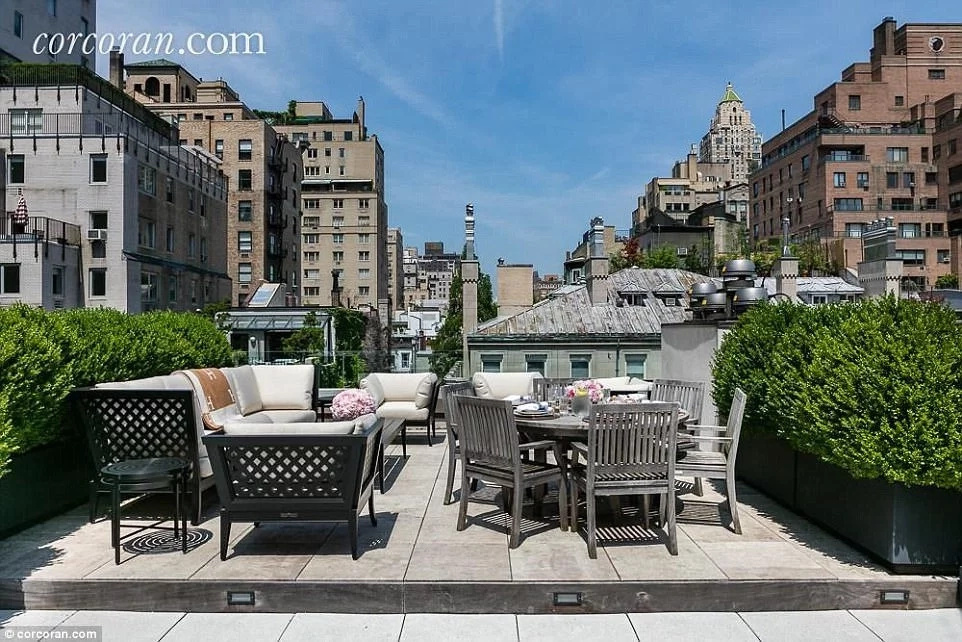 It has excellent views of New York's skyline. Photo: corcoran.com