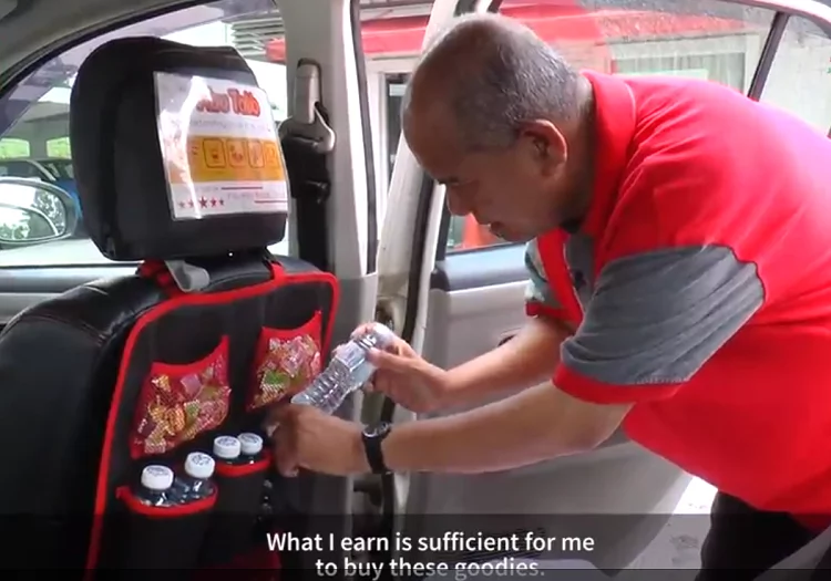 GrabCar Driver Goes Viral for Going the Extra Mile - Sweet Gesture Appreciated!