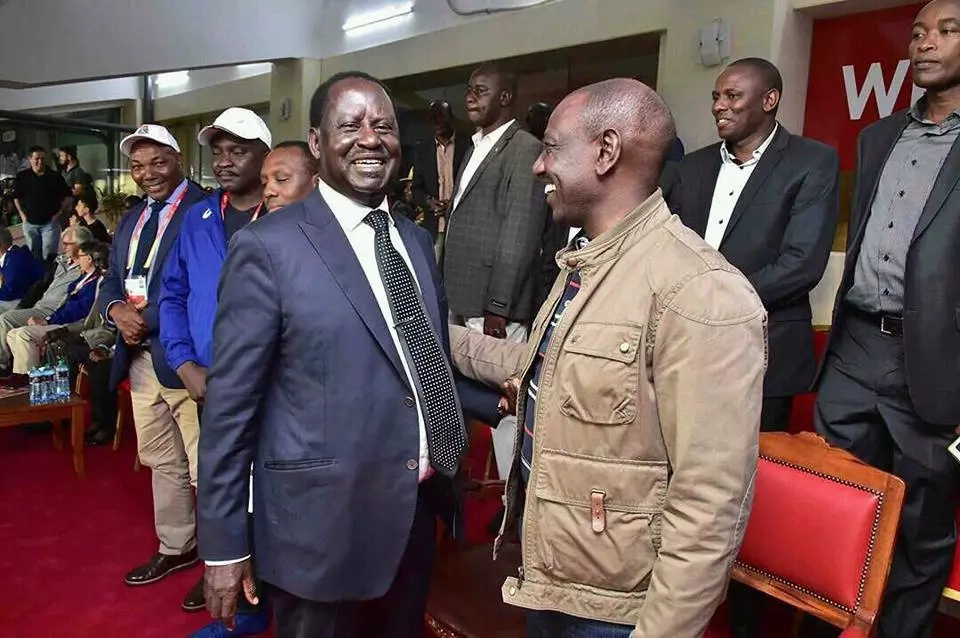 7 photos of Ruto, Raila and Uhuru that will make their supporters look stupid