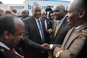 President Uhuru in private meeting with Governor Kabogo over feuds