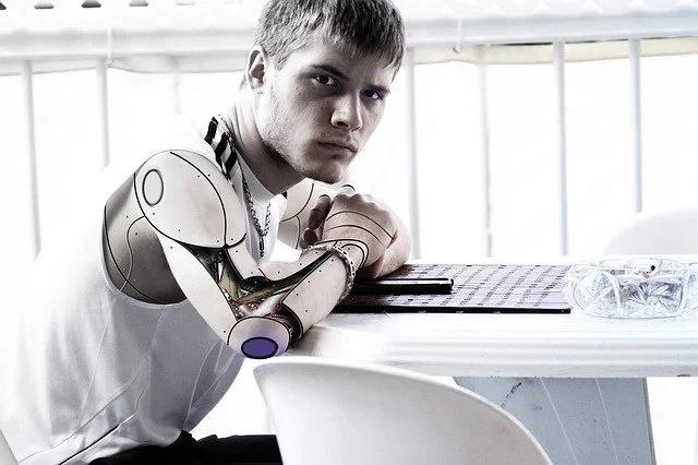 Existen robots que escriben artículos deportivos en Associated Press