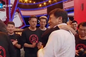 Watch Jackie Chan Break Down In Tears After His Original Stunt Team Pays Tribute To Him