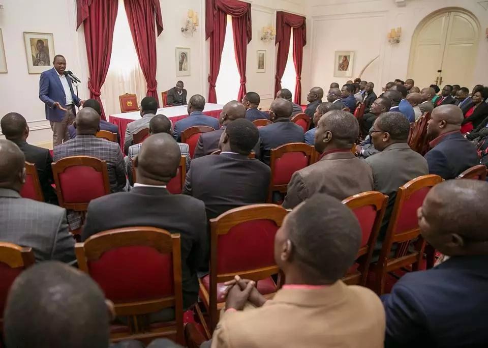 Uhuru 'apologises' to the Kisii community after attacking CJ Maraga