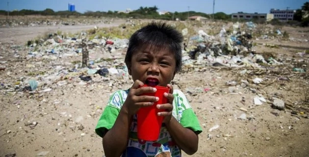 Roban dinero de los alimentos y 41 niños han muerto de hambre