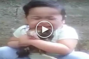 Emotional Filipina toddler cries her heart out over death of her beloved pet chicken