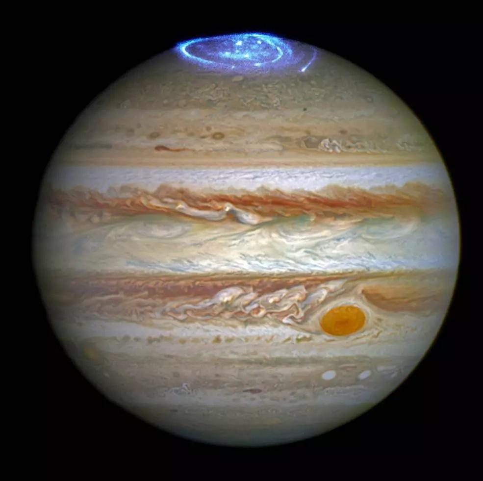 Las impactantes auroras boreales de Júpiter