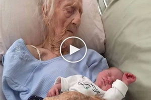 101-year-old woman gave birth to her 17th child! Doctors call it 'the miracle'!