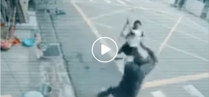 Ang lakas! Young girl beating up a snatcher is the best thing to watch today