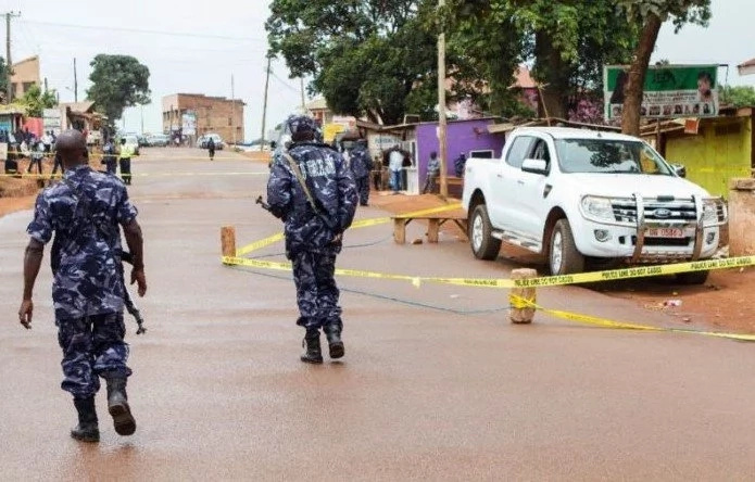 Policeman shoots himself and wife after MISUNDERSTANDING their HIV status (photo)