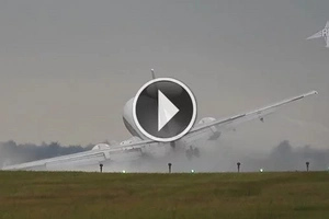 Boeing 737-430 almost crashes because of crosswind during landing
