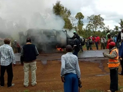 Drama as mourners save man's body from burning vehicle in Kirinyaga