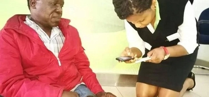 Safaricom employee who touched Kenyans' hearts finally meets Bob Collymore (photo)