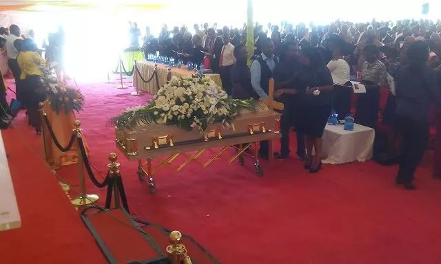 Veteran journalist Waweru Mburu laid to rest
