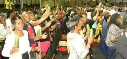 Mhubiri ajitolea kuwaombea wanawake ili waume zao wawe na 'mzinga' mrefu!