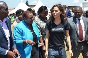 Mke wa gavana maarufu awaduwaza wengi kwa mavazi ya kuvutia (picha)