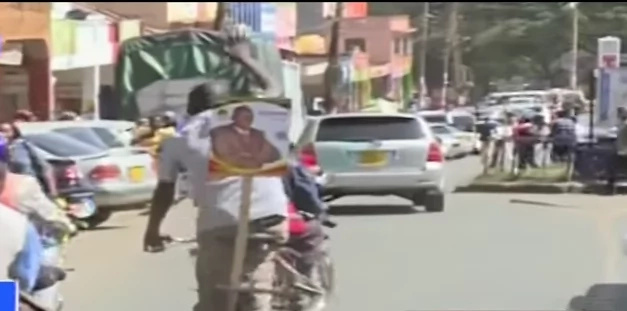 Man seeking to unseat Ruto's friend from governor campaigns using a bicycle (photos, video)