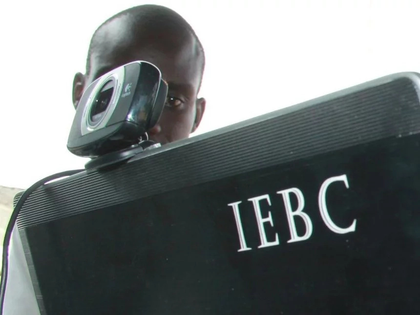 TENSION as IEBC workers get ROBBED at gun point