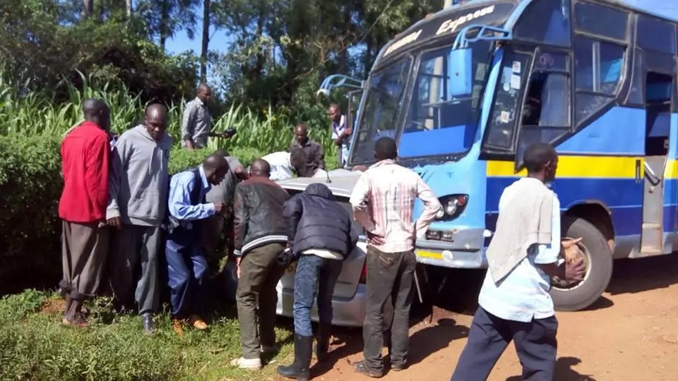 Nyamira Express bus involved in a nasty accident (photos)