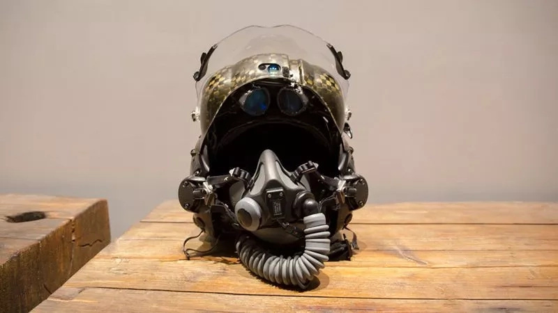 What's It Like To Wear A $400,000 F-35 Helmet?