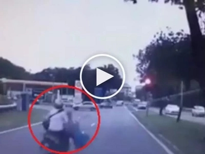 Brutal na hit-and-run! Reckless Pinoy rider slams motorbike into teen girl and then flees the scene