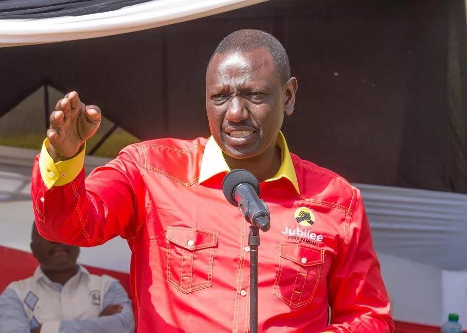 Raila na watu wake wamekwama kwenye ndoto huku Jubilee ikifanya kazi - Adai William Ruto