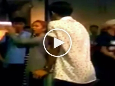 Furious Pinay teens trash-talk each other in front of fine dining restaurant customers at Trinoma