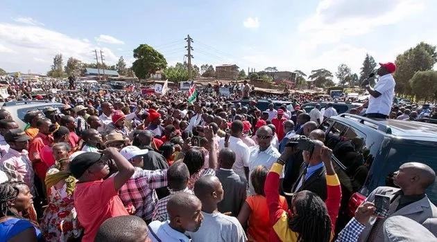 Uhuru akosoa mtindo wa Raila wa kuwazawadi wanasiasa wa ODM