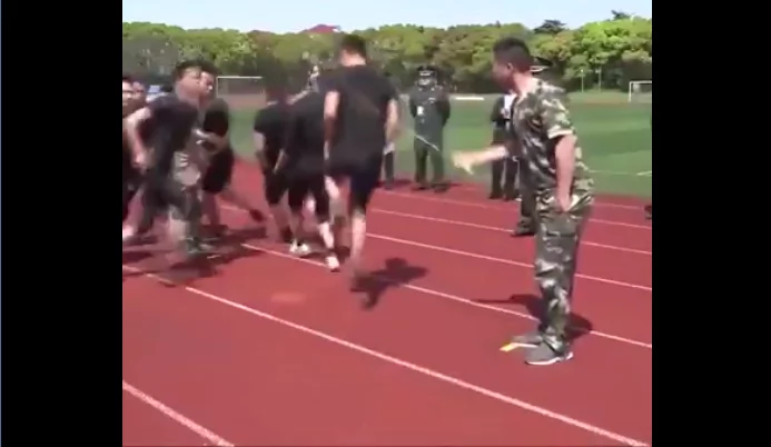 Soldiers doing Jump Rope Training were enjoyed by many netizens!