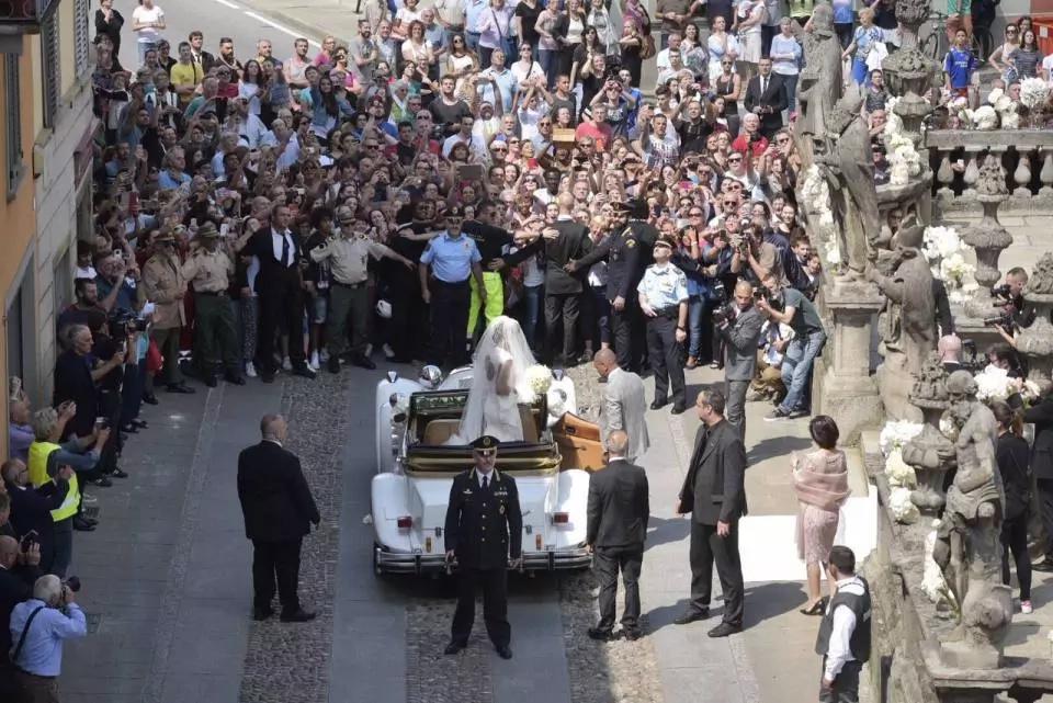Samuel Etoo, wife stun crowd with their Italian wedding