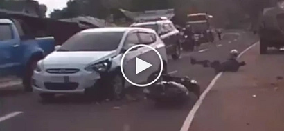Brutal na aksidente! Reckless driver violently crashes car into poor motorcycle rider in Rizal