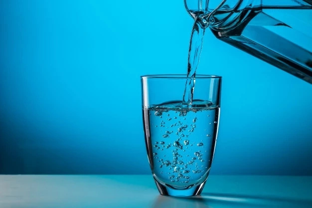 Water Therapy: Drink water on an empty stomach right after waking up