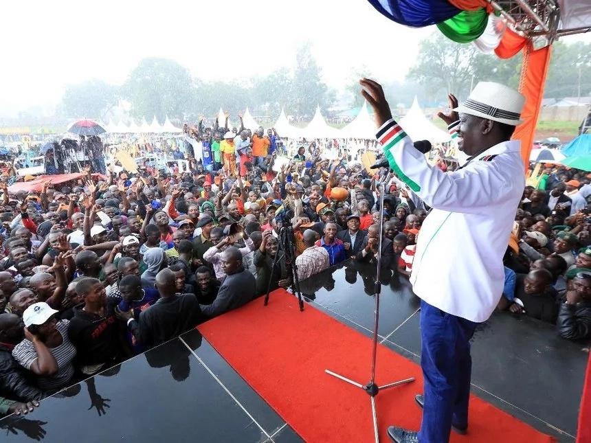 Raila Odinga asisitiza ni lazima ataiinua Bibilia na kula 'kiapo'