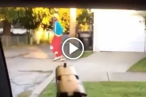Chicago Gangster Pulls Gun Out on Clown After Attempting to Scare Him