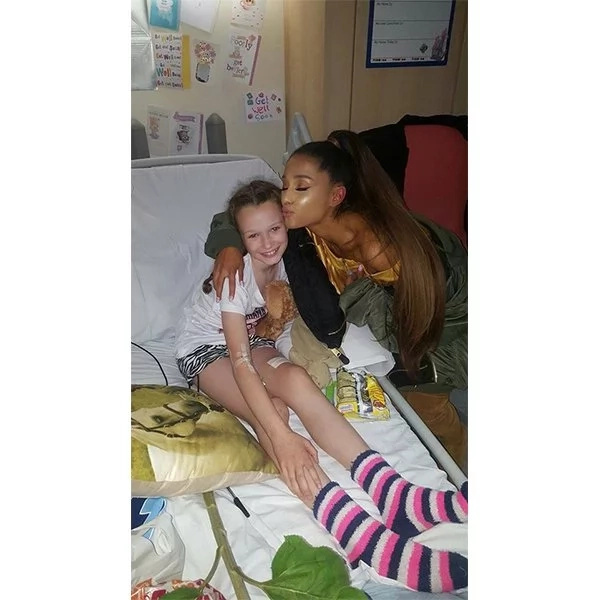 Respect! Ariana Grande visits Manchester bombing victims