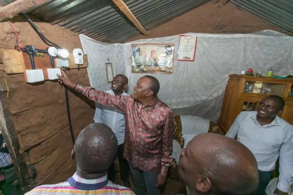 Can Uhuru, Ruto hide their opulence in the village?
