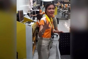 This Cebu Pacific employee is going viral; passenger almost missed her flight!