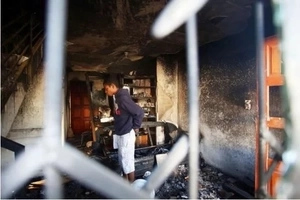 Hero dad! Man runs into burning home and saves his daughter (photos)