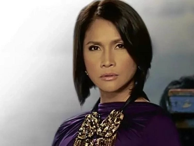 Palaban! Outraged Agot Isidro fiercely calls out Facebook posers