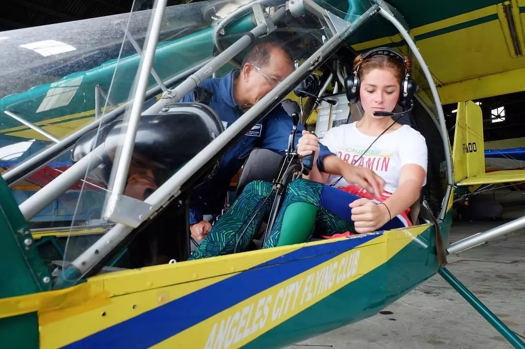 She thanked the Angeles Flying Club for teacher her the basics in flying. (Photo credit: Instagram)