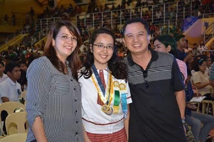 Ito ang tunay na lodi! Pinay Young Achiever in Chicago plans to go back to the Philippines to be an 'Iskolar ng bayan'