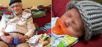 Este Abuelo Aprendió A Tejer A Los 86 Años Para Hacer Gorritos Para Bebés Prematuros