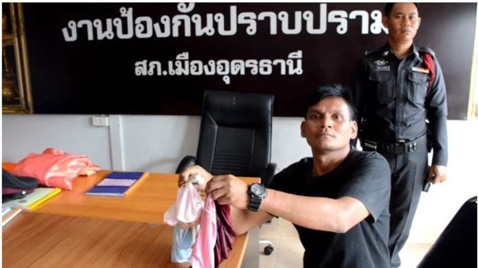 38-year-old man caught stealing pants, says he wanted to give them to his girlfriend (photo)