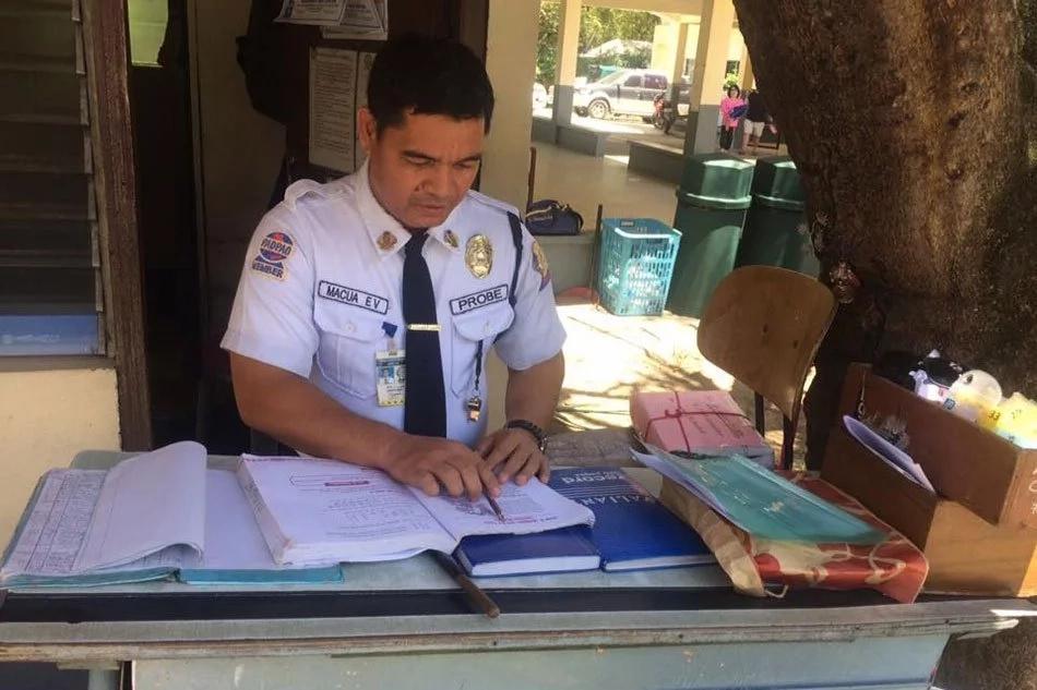 Pambansang LODI! Meet Erwin Macua, inspiring story of a security guard now a licensed teacher