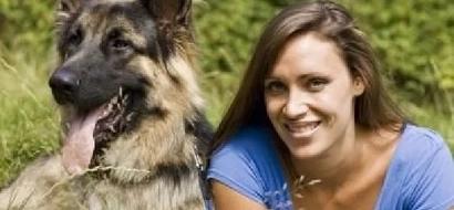 Un perro abandonado le salvó la vida y ¡ella le hizo un regalo especial!