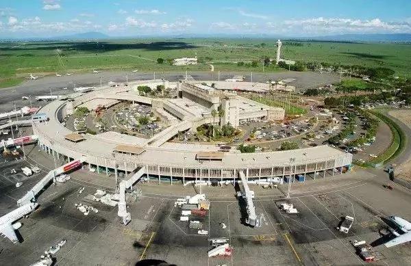 Wakenya WATIMULIWA Siku 2 baada ya Trump kuzungumza na Uhuru