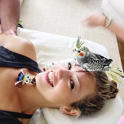 Thalía trata a sus mascotas como de la realeza