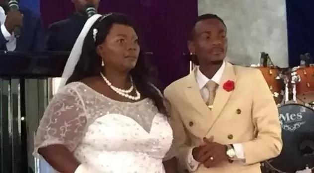 Mwimbaji wa nyimbo za injili, 27, amshukuru Mungu kwa kupata mke mara mbili umri wake!